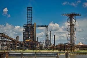 Ropná rafinérie - Ilustrační foto