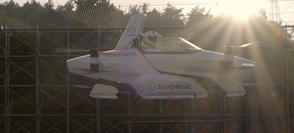 Testování létajícího auta SD-03.