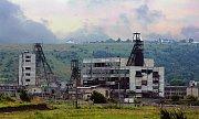 Solotvino před rokem 2005, z továrny zbyly dnes jen těžební věže.