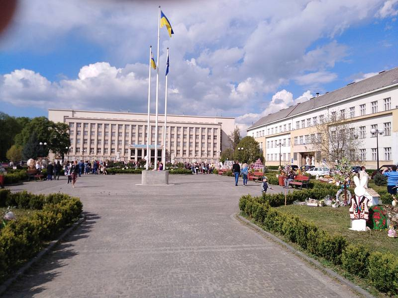 Vládní palác je dominantou čtvrti Malé Galago, kterou vytvořili v třicátých letech čeští architekti