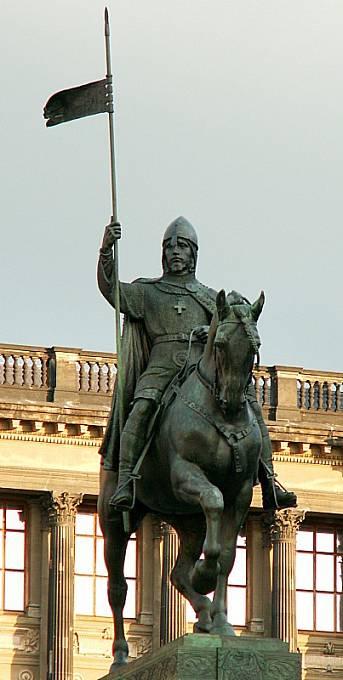 Socha svatého Václava od Josefa Václava Myslbeka na Václavském náměstí