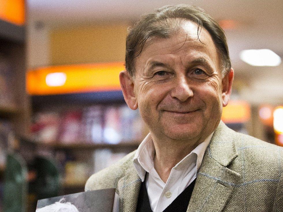 Ředitel Knihovny Václava Havla, spisovatel a bývalý diplomat Michael Žantovský.