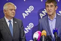 Předseda poslaneckého klubu ANO Jaroslav Faltýnek s majitelem hnutí Andrejem Babišem.