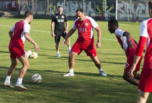 Trénink fotbalistů Slavie před zápasem Evropské ligy s Bordeaux.