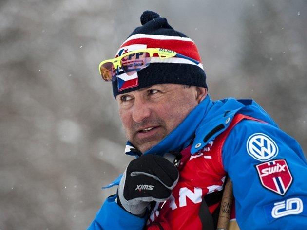 Trenér běžců na lyžích Miroslav Petrásek.