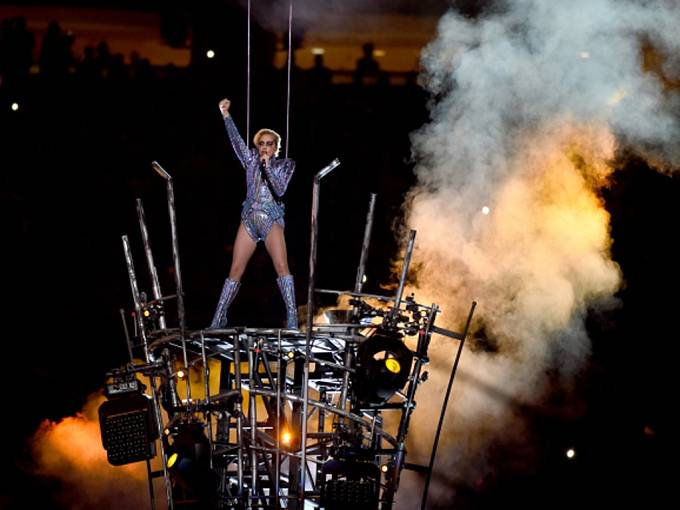 Super Bowl: Lady Gaga.