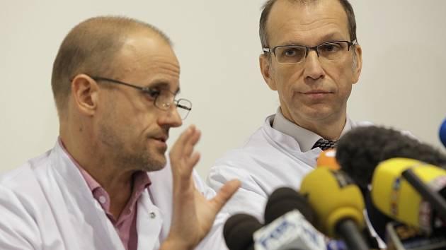 Další tisková konference s lékaři pečujícími o Michaela Schumachera