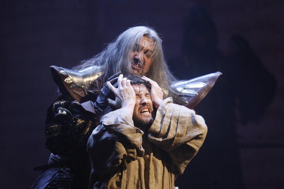 Slavnostní premiéra muzikálu Dracula