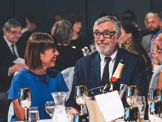 Jiří Bartoška s manželkou