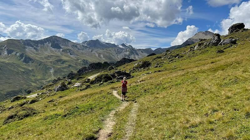 Nejvíc se nám líbí cestičky, po kterých chodíme prakticky sami. Tak si zážitky z překrásné přírody, sportovního výkonu i vzájemné blízkosti ještě umocníme