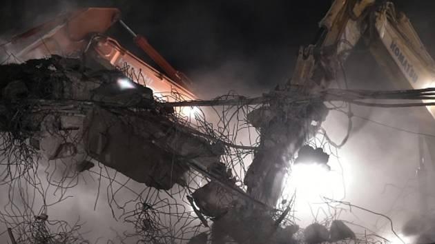 Bourání mostu na dálnici D10, ilustrační foto