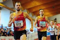 Jakub Holuša (vlevo) na halové mistrovství České republiky v Praze.