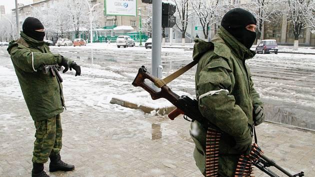 Ozbrojenci v Luhansku