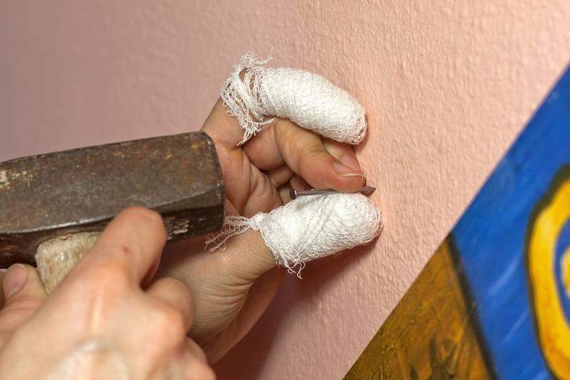 Dopady domácí karantény na úrazy tak letos zaznamenávají hlavně záchranáři.