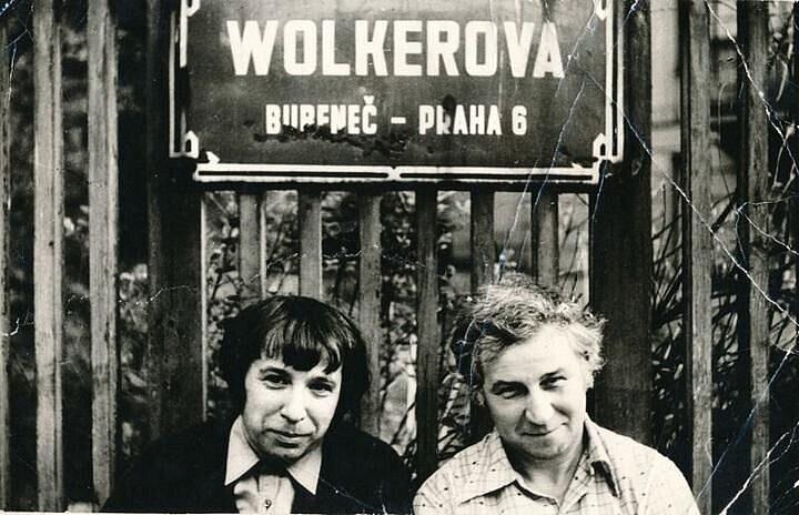Viktor Pivovarov s Iljou Kabakovem v Praze (1982)