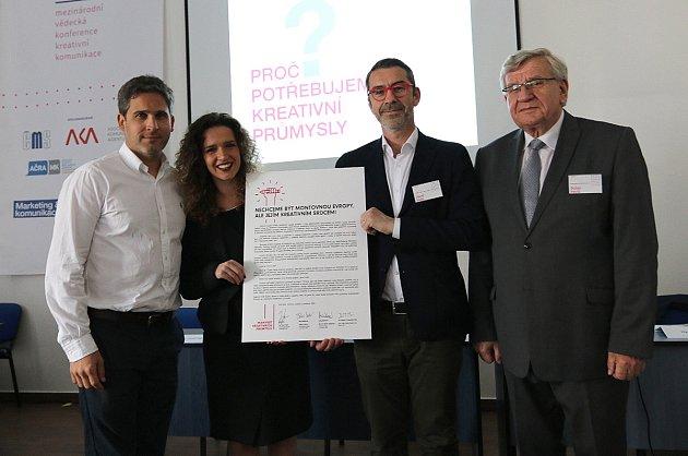 Vrámci mezinárodní vědecké konference představila pražská Vysoká škola kreativní komunikace manifest za vyšší podporu kreativních odvětví vČesku.