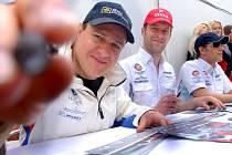 Piloti továrního týmu Aston Martin Racing Tomáš Enge, Stefan Mücke a Jan Charouz (zleva).