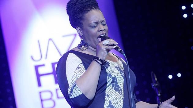 Plnoletý JazzFest zve na Dianne Reeves, Stanleyho Clarka i Avishaie Cohena