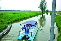 Baťův kanál Kanál, známý také pod názvem Průplav Otrokovice–Rohatec, je historická vodní cesta, která měří dvaapadesát kilometrů.