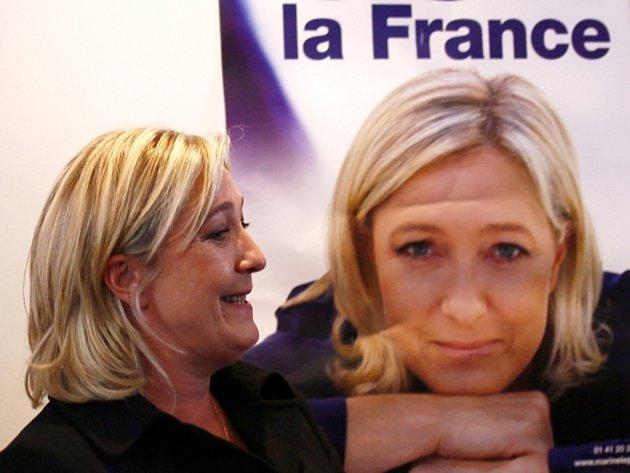 Neúspěšná kandidátka na francouzskou prezidentku a šéfka krajní pravice Marine Le Penová.