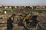 Trosky ukrajinského letounu, který se 8. ledna 2020 zřítil krátce po startu z teheránského letiště