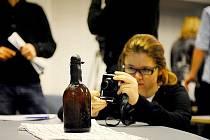 Finští vědci zkoumají asi nejstaršího pivo na světě.