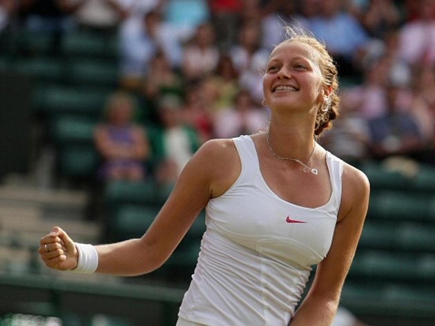 Petra Kvitová na Wimbledonu vybojovala postup do semifinále.