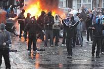 Ilustrační fotografie z roku 2011, nepokoje v Ulsteru.