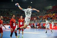 Čeští házenkáři ve druhém duelu čtvrtfinálové skupiny mistrovství Evropy v Chorvatsku porazili Makedonii 25:24.