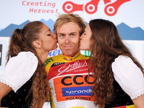 Jan Hirt vede závod Kolem Rakouska