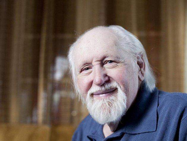 Kreslíř, karikaturista, ilustrátor a humorista Jiří Winter-Neprakta.