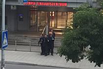 Nákupní centrum Olympia v Německu zasáhla střelba.
