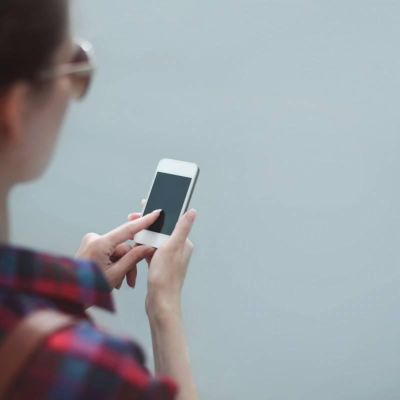TikTok je světově nejpoužívanější aplikací loňského roku. V Česku sociální síť zaměřená na krátká videa za pandemie zažila boom u nejmladší generace.