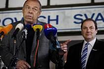 Předseda Českomoravské konfederace odborových svazů (ČMKOS) Jaroslav Zavadil na tiskové konferenci uspořádané 10. června v Praze, na které vedení Koalice dopravních odborových svazů vyhlásilo na pondělí stávku v dopravě proti vládním reformám.