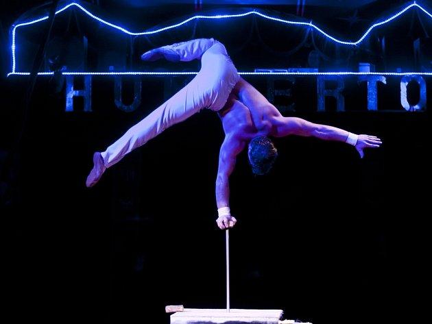 Představení cirkusu Humberto 23. listopadu v Praze.