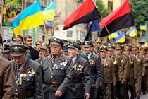 Bývalí příslušníci Ukrajinské povstalecké armády (UPA), ozbrojené složky Organizace ukrajinských nacionalistů (OUN) Stepana Bandery na vzpomínkové akci.