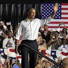 Barack Obama v listopadu 2017 před volbami do Kongresu.