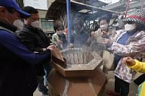 Buddhisté v rouškách v Soulu