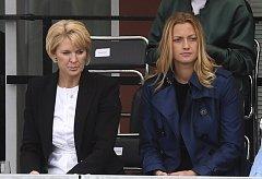 Ředitelka turnaje Petra Černošková (vlevo) a tenistka Petra Kvitová.