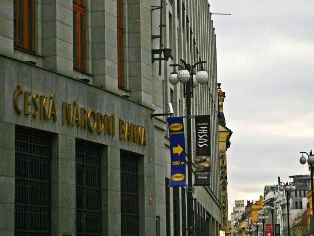 Česká národní banka má sídlo v Praze.