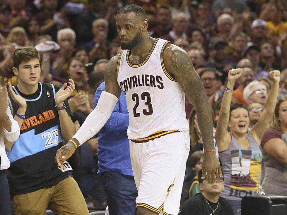 Zklamaný LeBron James z Clevelandu.