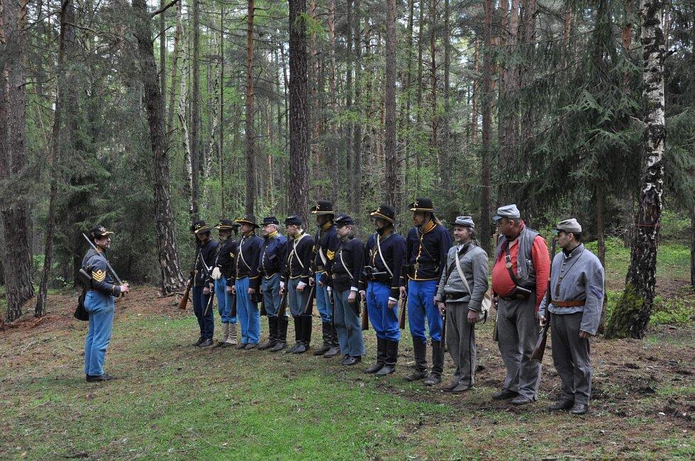 Skupina reenactorů z České i Slovenské republiky, která rekonstruuje kdysi skutečně existující tvořící plzeňský 9th Illinois Cavalry Regiment