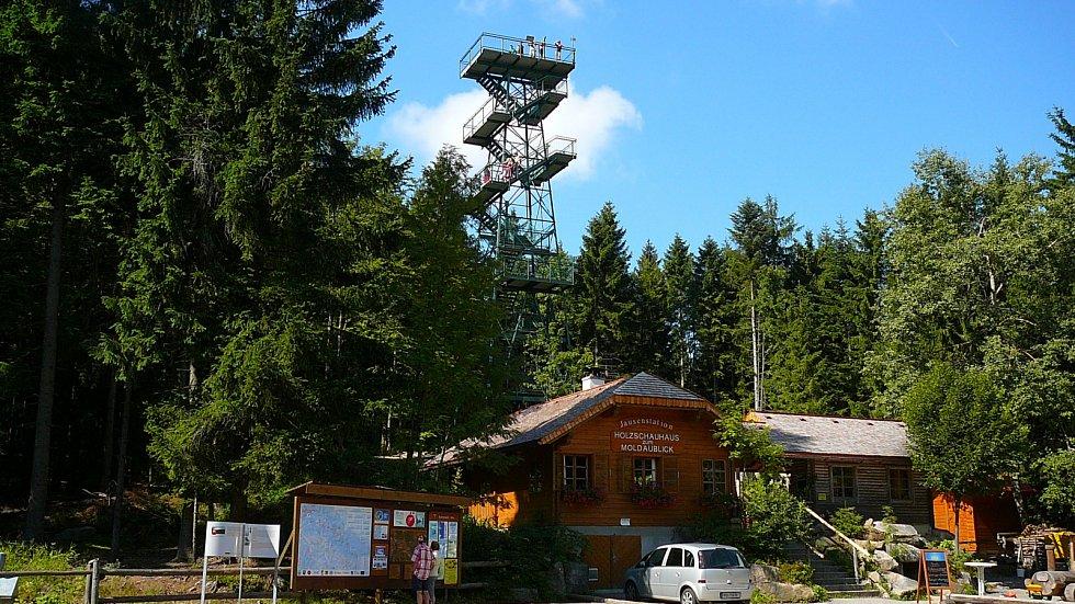 Rozhledna Moldaublick na vrchu Sulzberg z roku 1967.