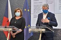 Ministr průmyslu a obchodu a ministr dopravy Karel Havlíček a ministryně financí Alena Schillerová.