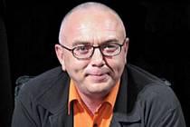 Známý ruský moderátor Pavel Lobkov oznámil během televizního pořadu o boji proti AIDS, že je HIV pozitivní.