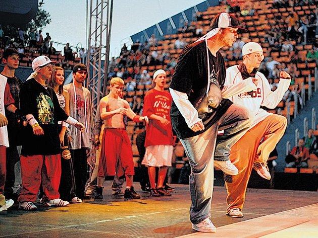 Tanečníci ze střední a východní Evropy teď obsadí Sportovní halu Slavia