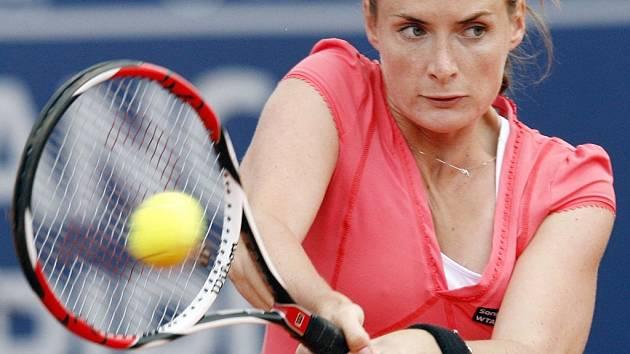 Iveta Benešová ve finále antukového turnaje v Estorilu.