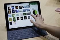 Největší počítačový tablet iPad.