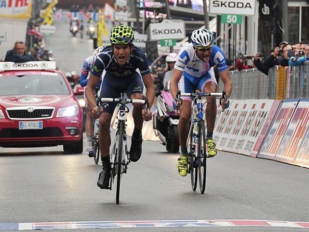 Andrey Amador (vlevo) a Jan Bárta v cíli etapy Gira.