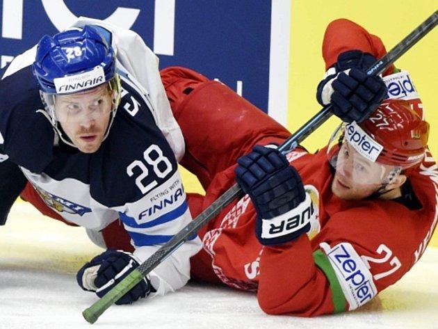 Anssi Salmela z Finska (vlevo) a Aleksej Jefimenko z Běloruska.